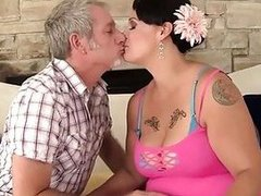 Plumper milf Savannah Star riding a chubby dick